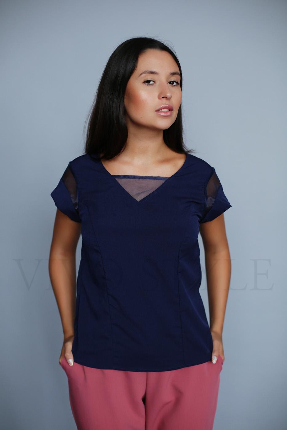 Женская однотонная блуза прямого силуэта