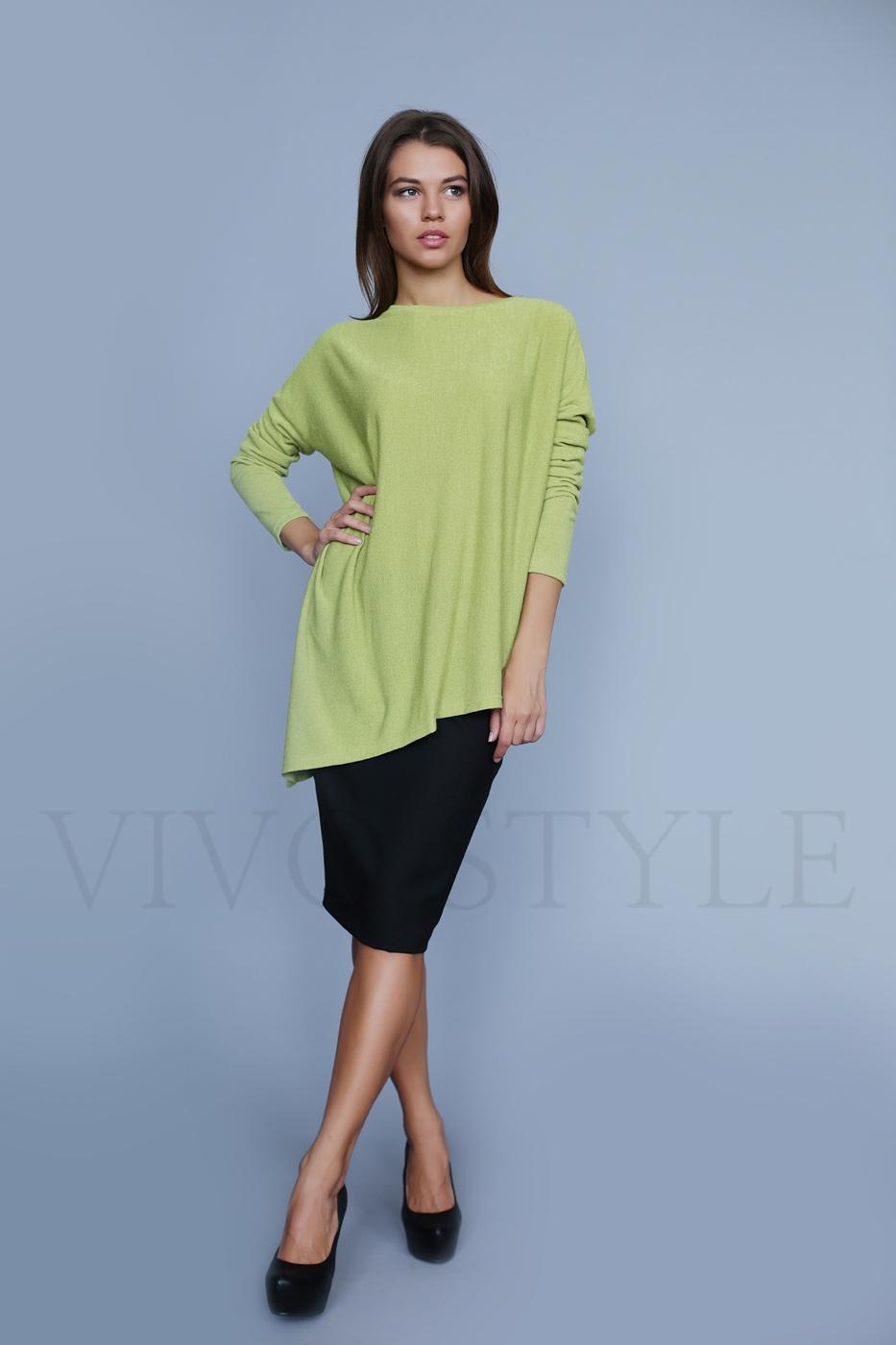 Женская блуза с асимметричным низом