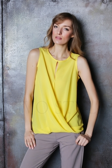 Блуза и рубашка однотонная без рукавов