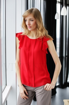 Нежная женская блуза до линии бедер 10523-2