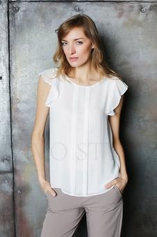 Нежная женская блуза до линии бедер 10523-5