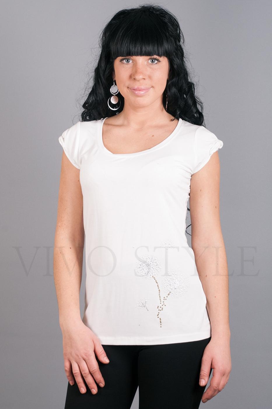 Блуза белая с красивым рисунком