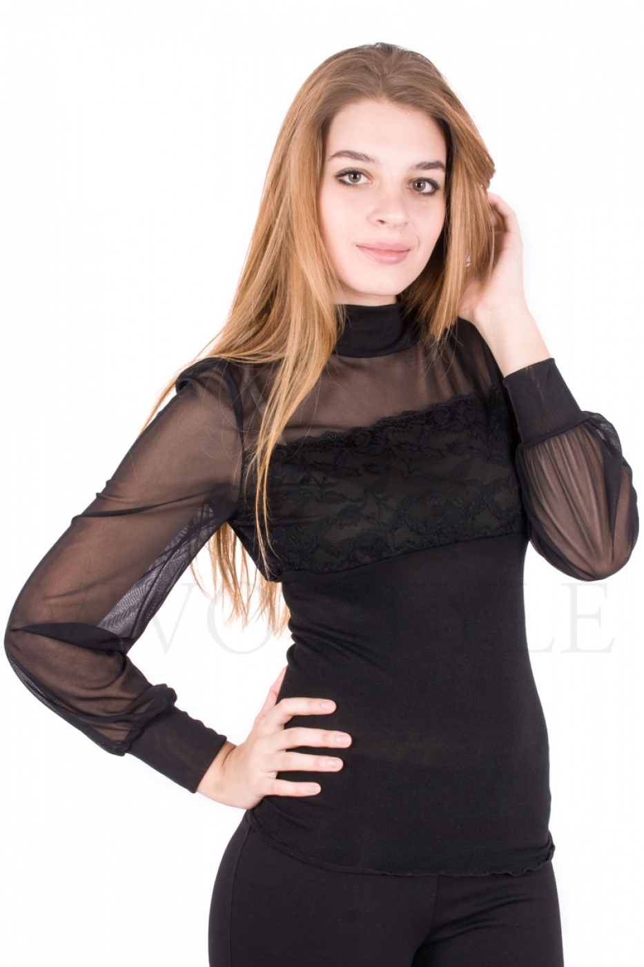 Блуза со свободным прозрачным рукавом и кокеткой
