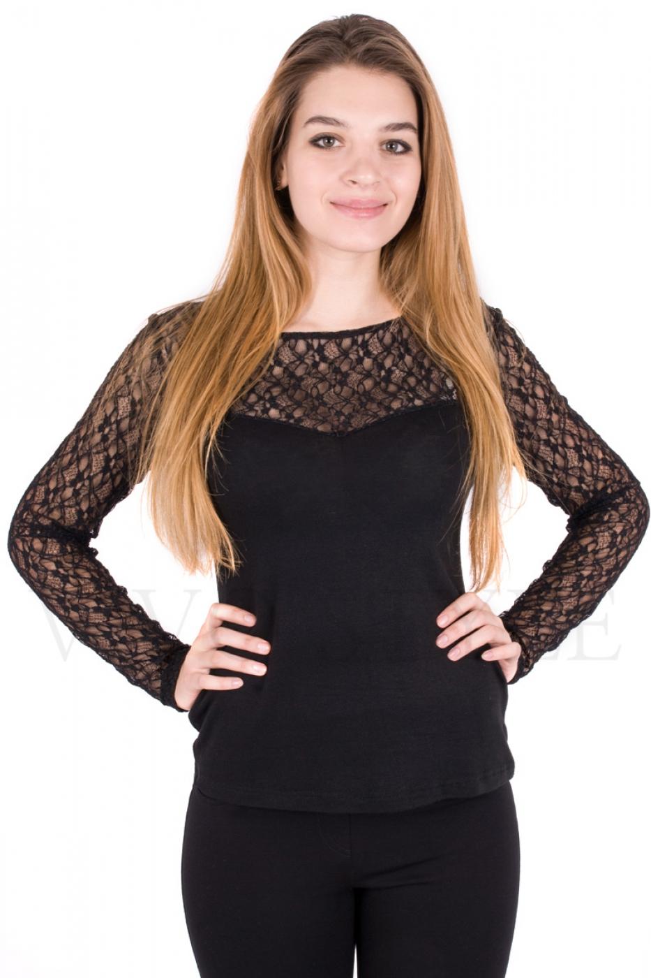 Блуза с длинным рукавом из гипюра