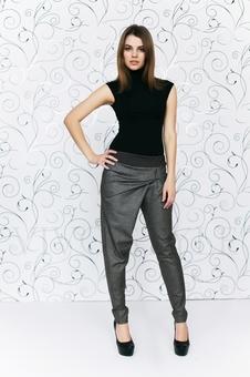 Оригинальные серые брюки с драпировкой 30500-7