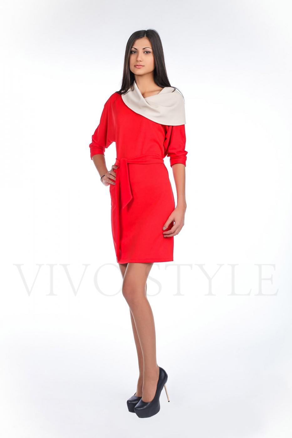 Платье с рукавом «летучая мышь»