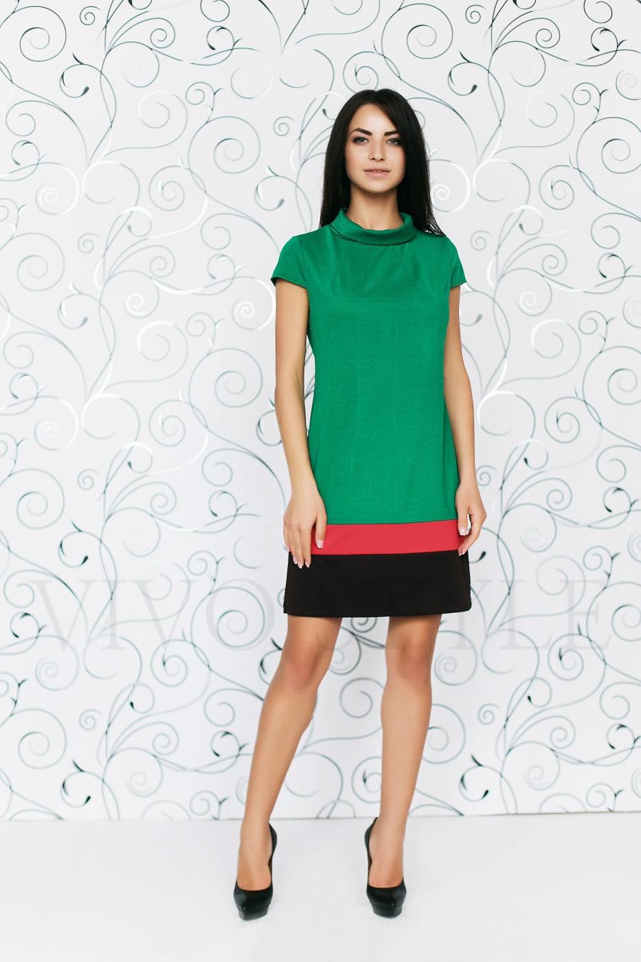 Платье со вставками по низу