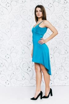 Платье с красивым декольте 20145-6