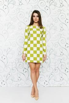 Платье расширенное к низу 20157-7
