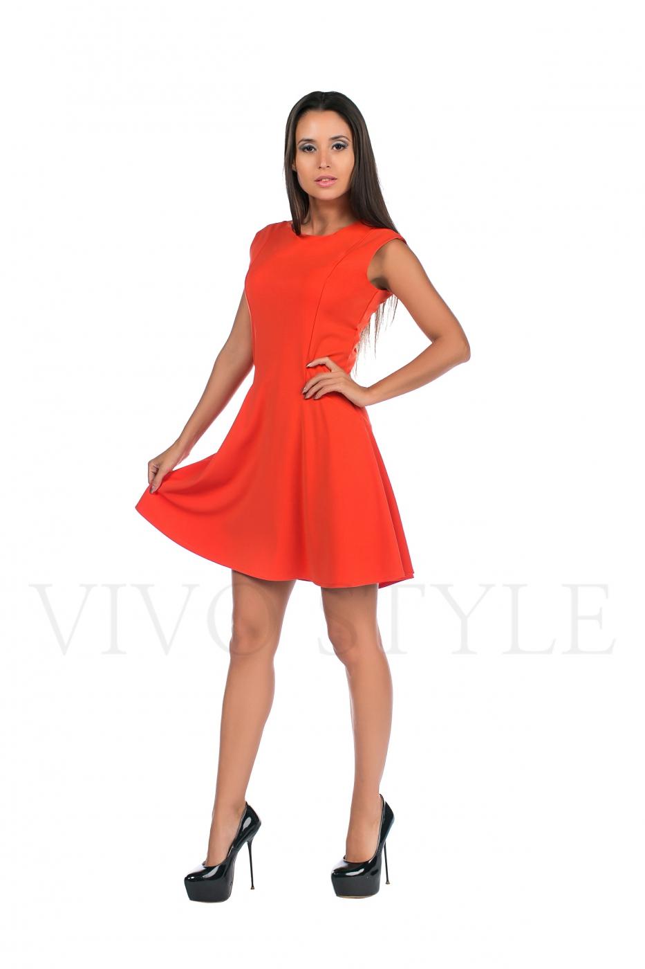 Платье женское со спущенным рукавом