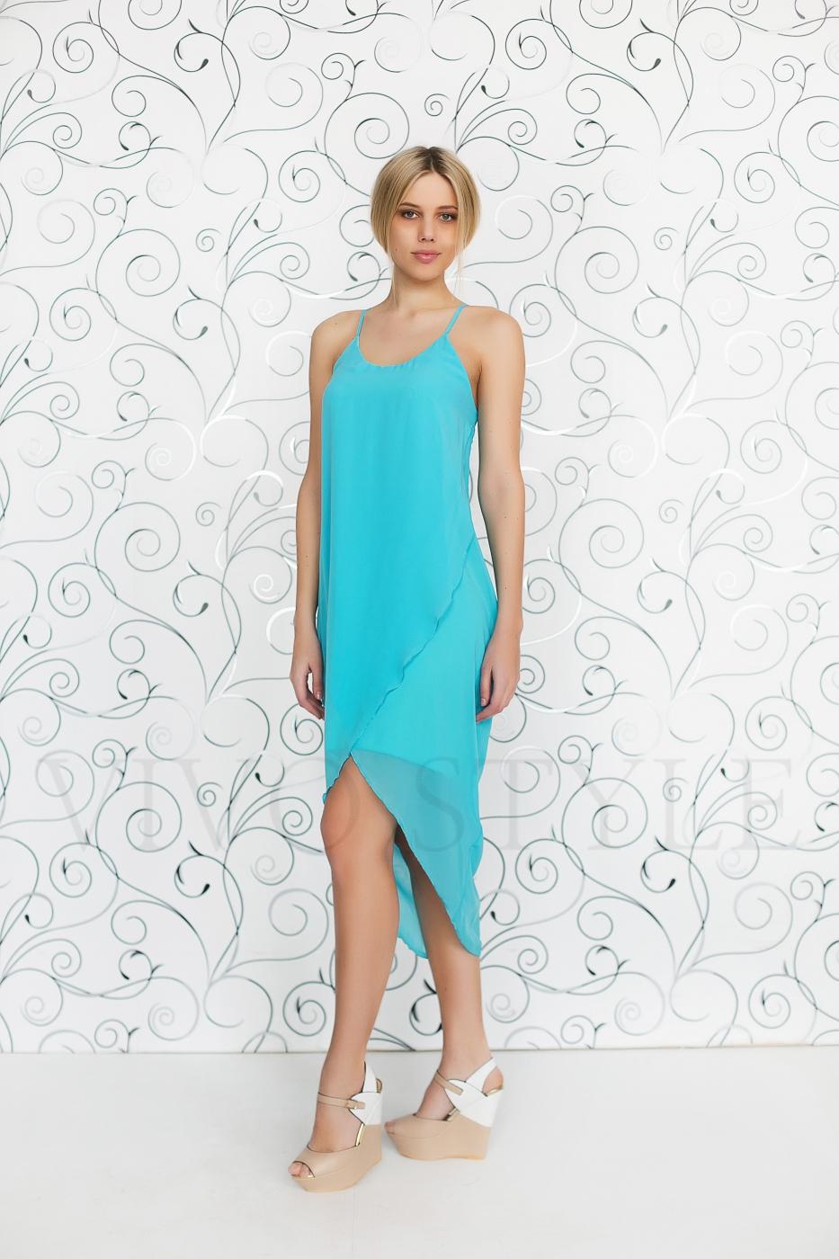 Легкое летнее платье без рукавов