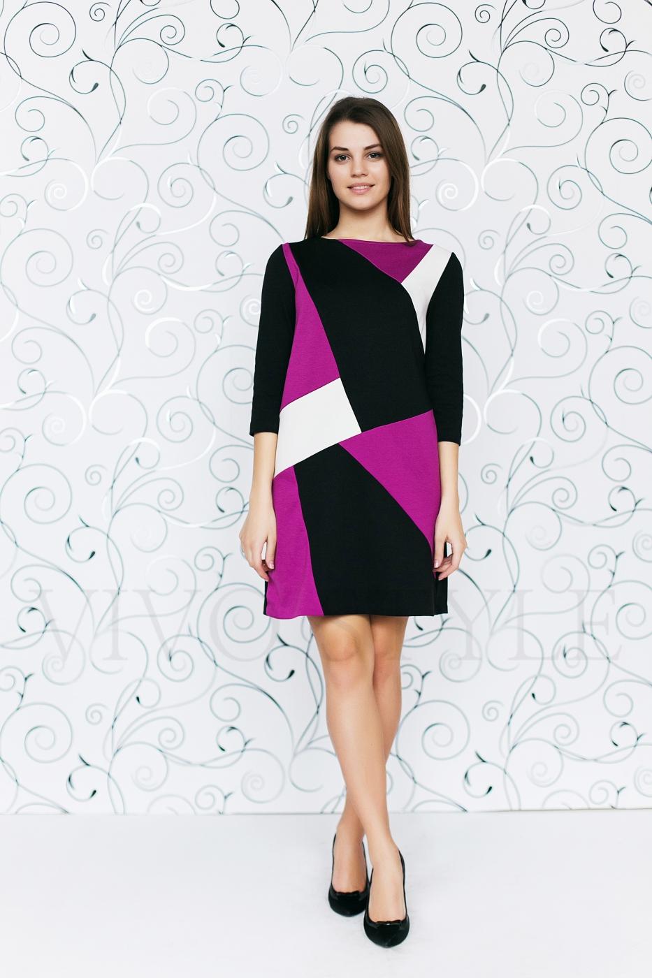 Трикотажное трехцветное платье