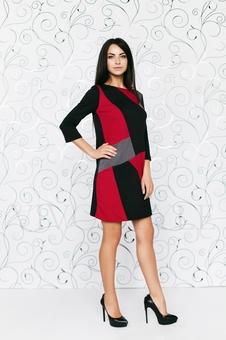 Трикотажное трехцветное платье 20274-7
