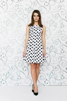 Молодежное платье из фактурной ткани 20284-1