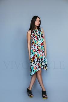 Платье лаконичное