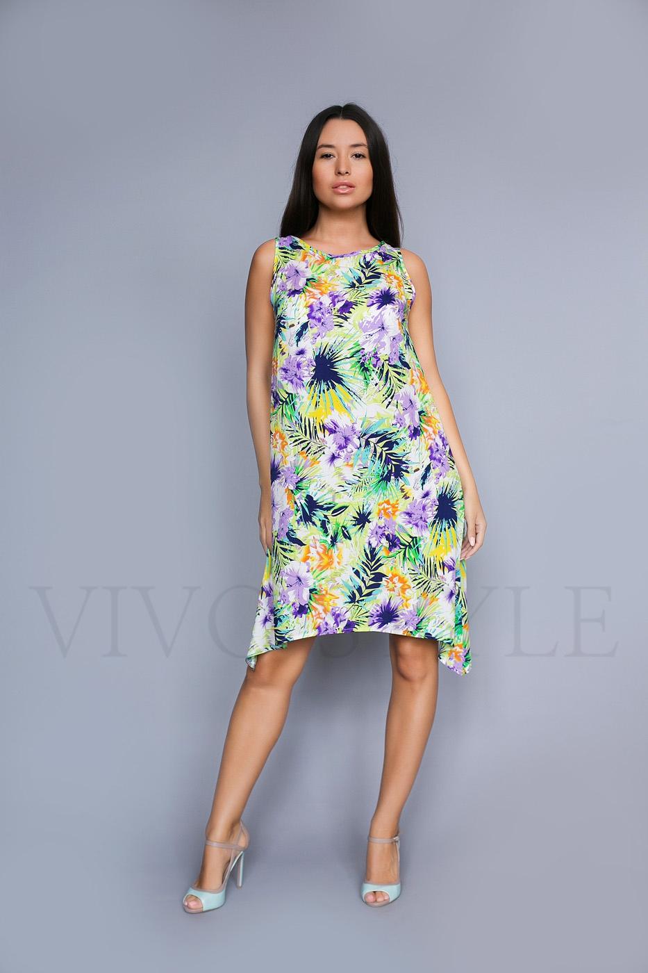 Женское платье с фигурным низом