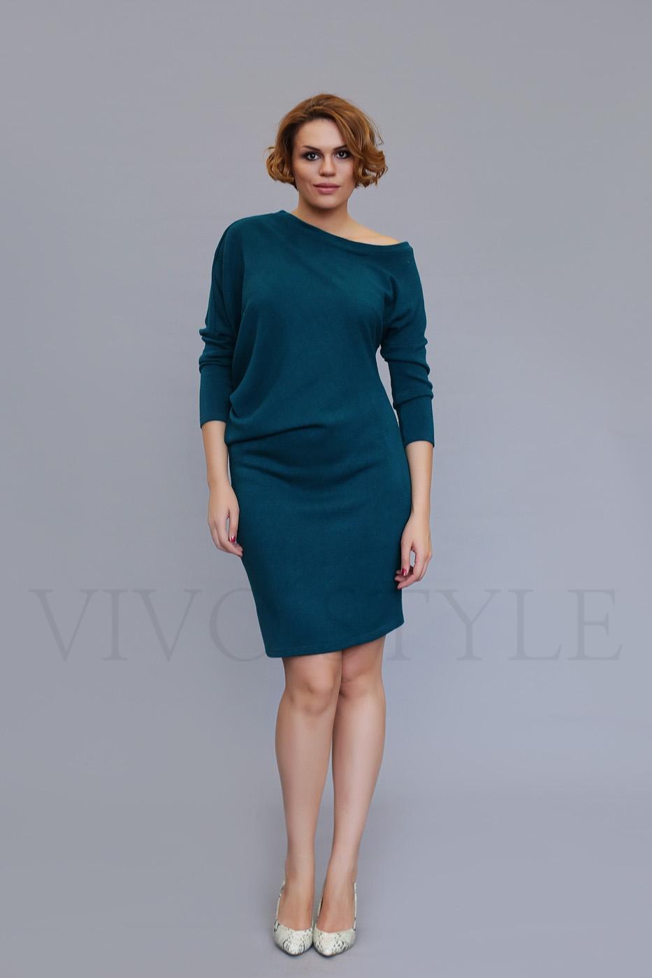 Женское объемное платье