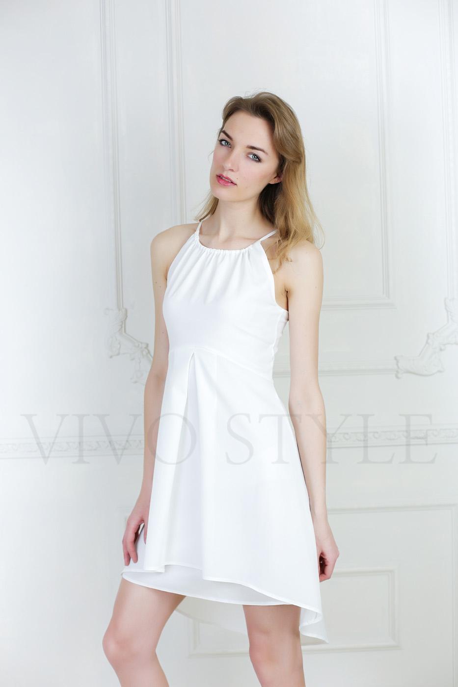 Летнее женское платье с отрезным лифом