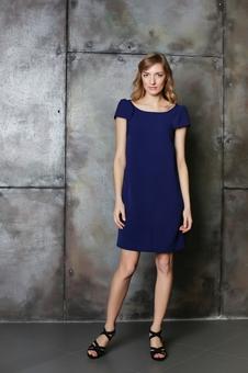 Лаконичное платье из гладкоокрашенной ткани 20630-1