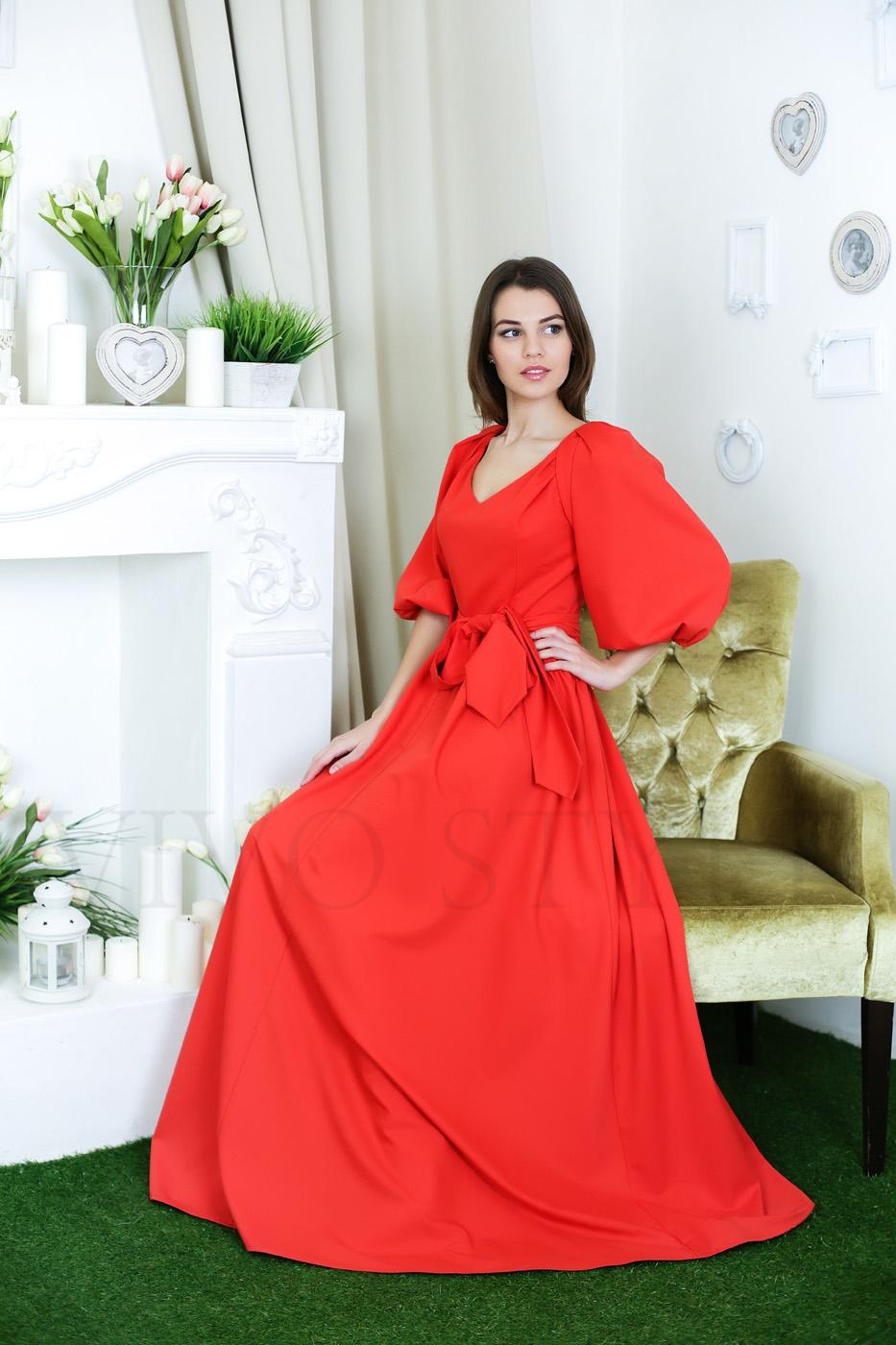Элегантное женское платье с поясом