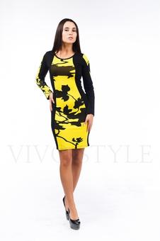 Женское платье с вертикальными рельефами 26046-1
