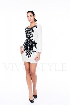 Короткое платье с изящным принтом 26061-1