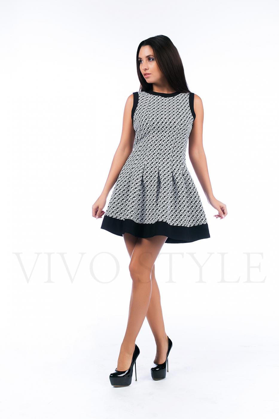 Женское платье со складками