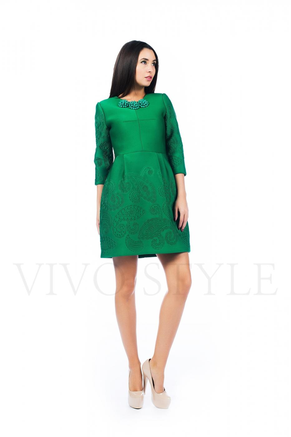 Платье со стоячей юбкой