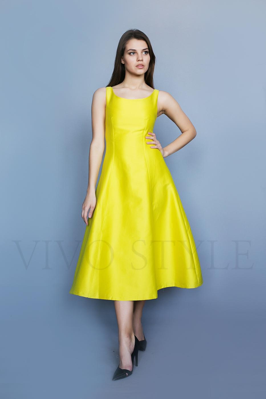 Коктейльное однотонное женское платье