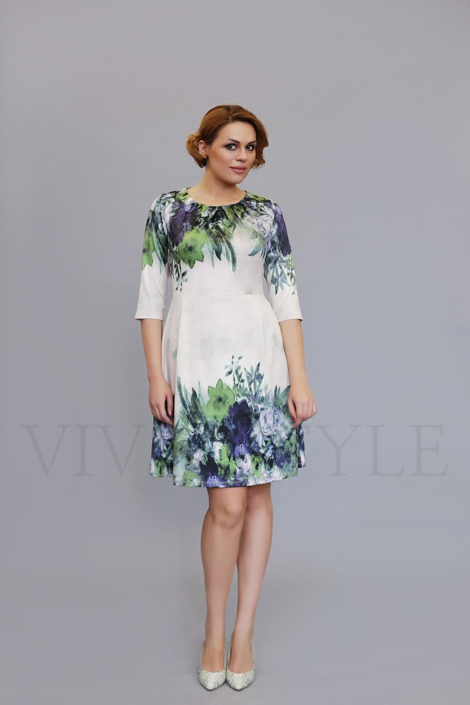 демисезонное платье с рукавом